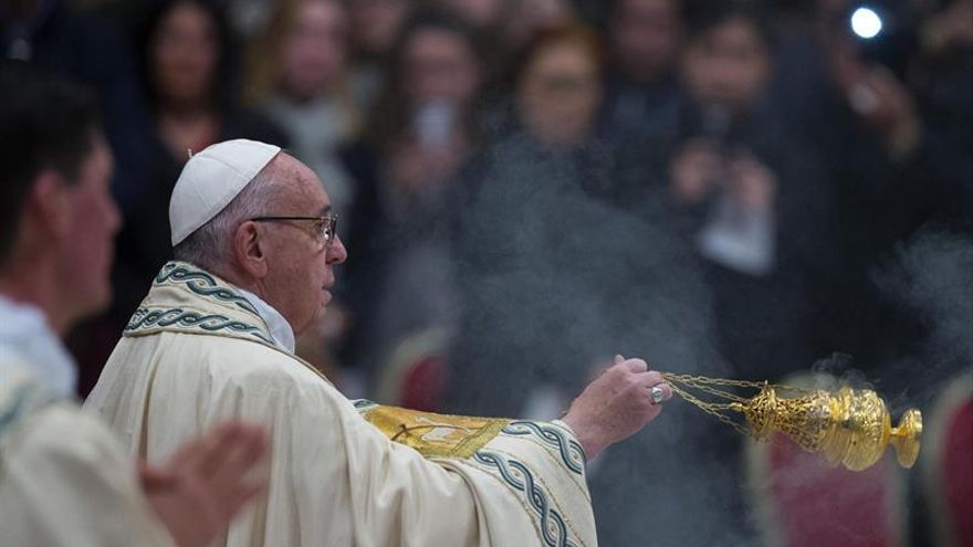 Pope Francis celebrates first Vespers and Te Deum