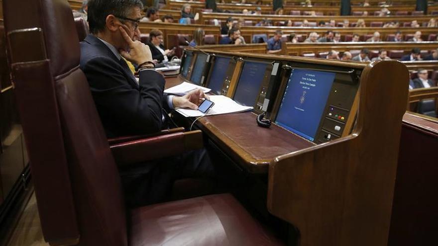 Sánchez no asiste al pleno del Congreso tras regresar de sus vacaciones