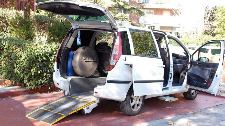 Pamplona cuenta con 23 taxis accesibles para personas con movilidad reducida, un 7,3% del total