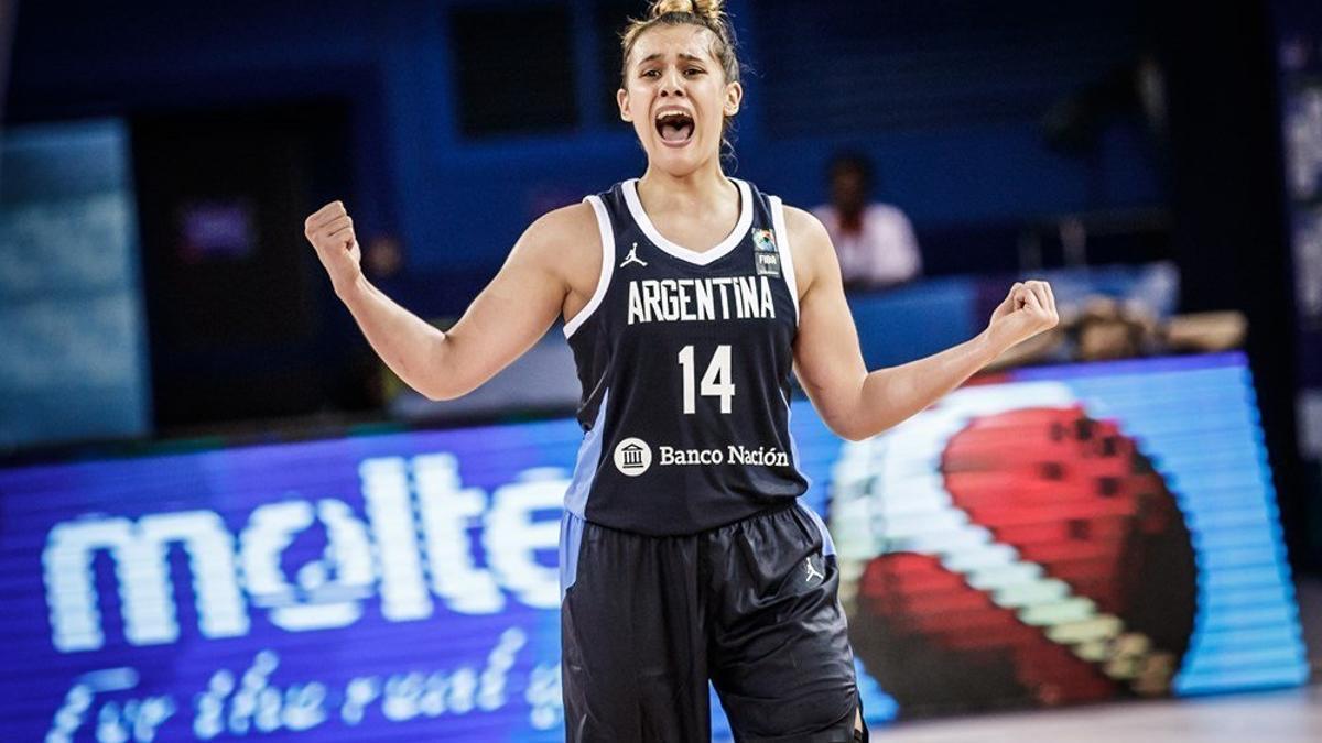 La argentina promedia 9.3 puntos, 2.2 rebotes, 1.6 asistencia y 24 minutos en los 26 partidos que lleva disputados en Italia.