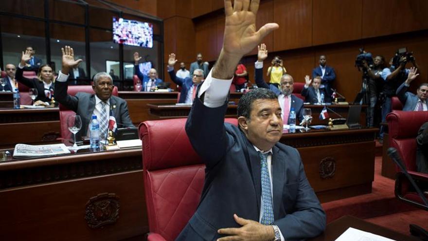 Image result for Senado dominicano aprueba hoy Ley de Partidos Políticos