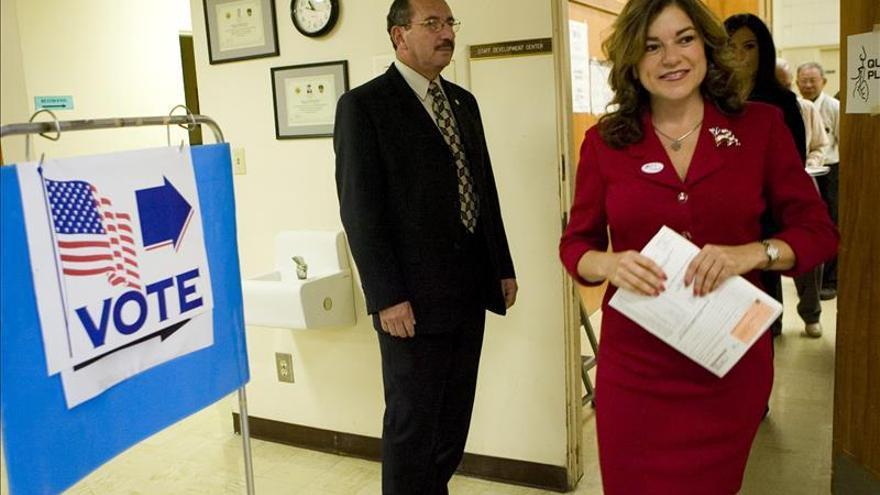 Loretta Sánchez se postula para ser la primera latina en el Senado de EE.UU.