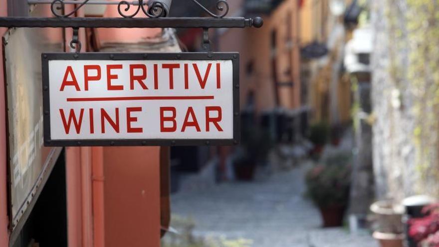 Italia estudia otorgar compensaciones a fondo perdido a pequeñas empresas.