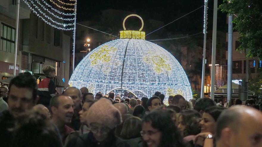 Imagen de la noche del viernes, tras el acto de encendido de las luces navideñas en Santa Cruz