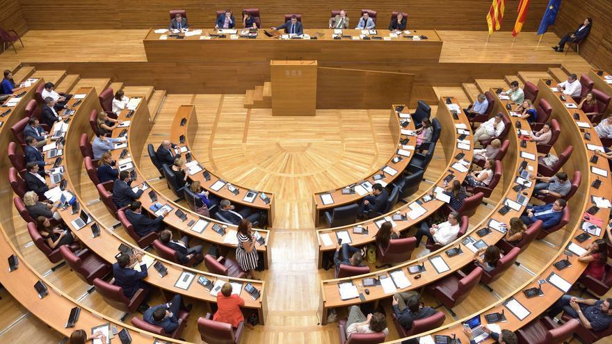 El pleno de las Corts Valencianes durante el debate de política general