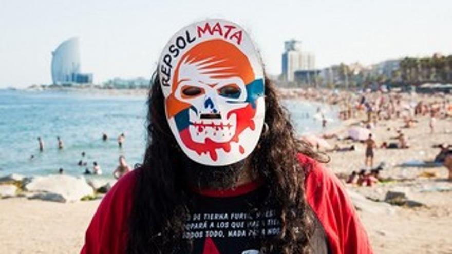 Protesta contra Repsol en Barcelona.
