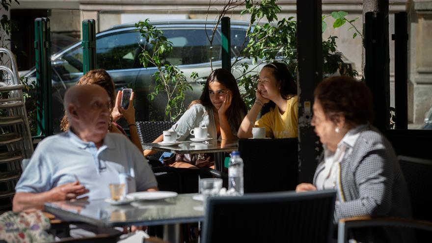 Catalunya estudia el cierre de bares y restaurantes durante 15 días para frenar los contagios