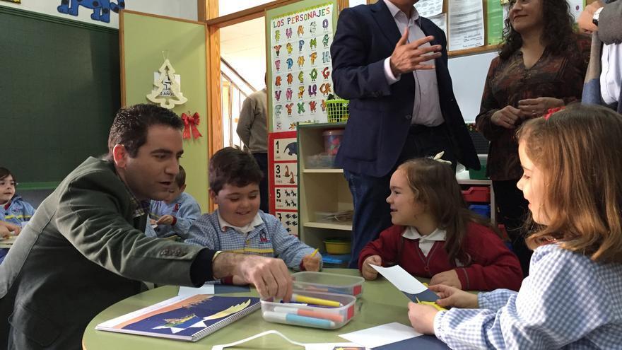 Teodoro García afirma que el PP defiende la libertad de elección de colegio a los padres