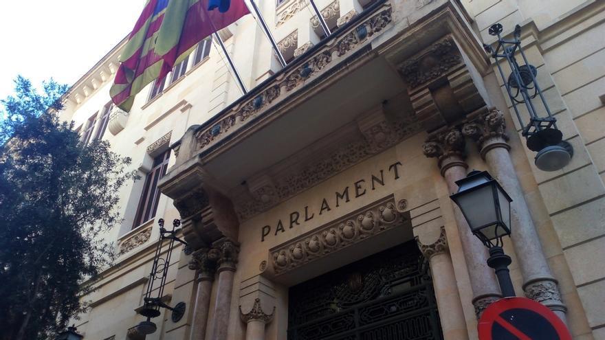 Armengol comparece este martes en el Parlament por iniciativa propia para informar sobre la financiación de Baleares