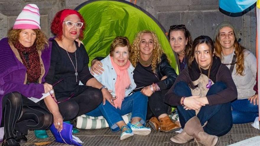 Mujeres concentradas en San Telmo para protestar contra la violencia machista
