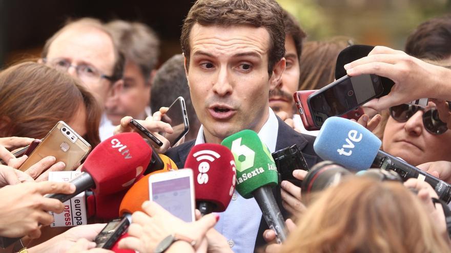 Pablo Casado deja la vicesecretaría de Comunicación del PP para competir por la presidencia del partido