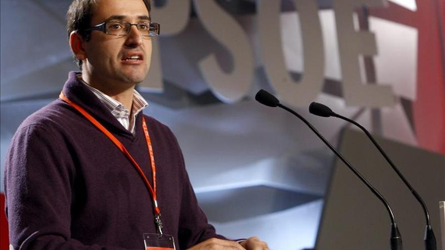 El PSOE acusa a Rajoy de traicionar el interés general y de fraude democrático