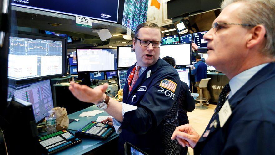 Wall street encadena su séptimo mes al alza alentado por la recuperación