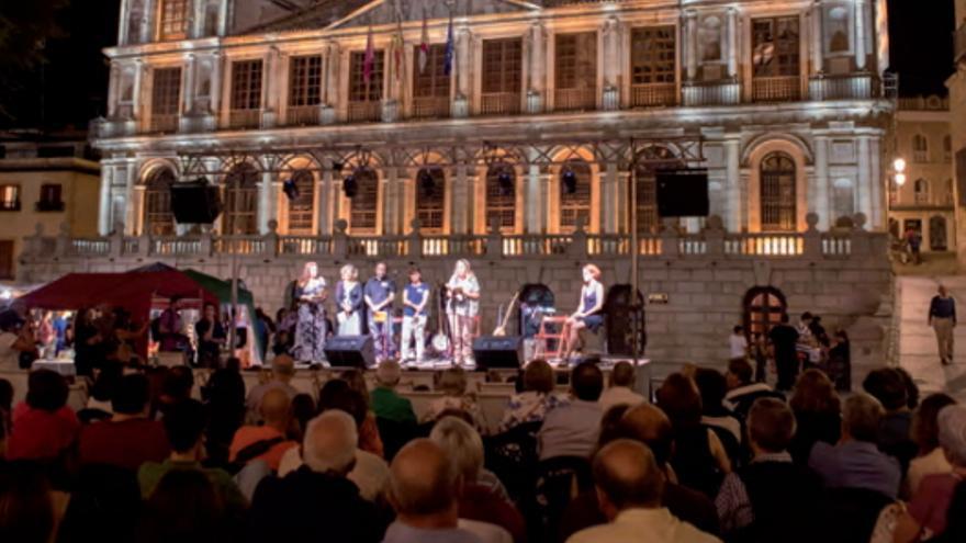 Actuación en la edición del Festival Voix Vives de 2015