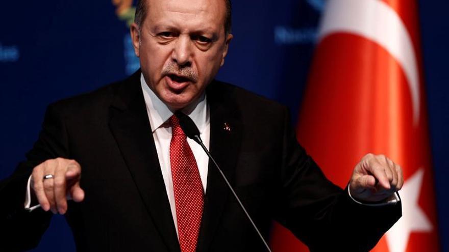 Erdogan dice que si Alemania aprueba la ley de genocidio dañará las relaciones