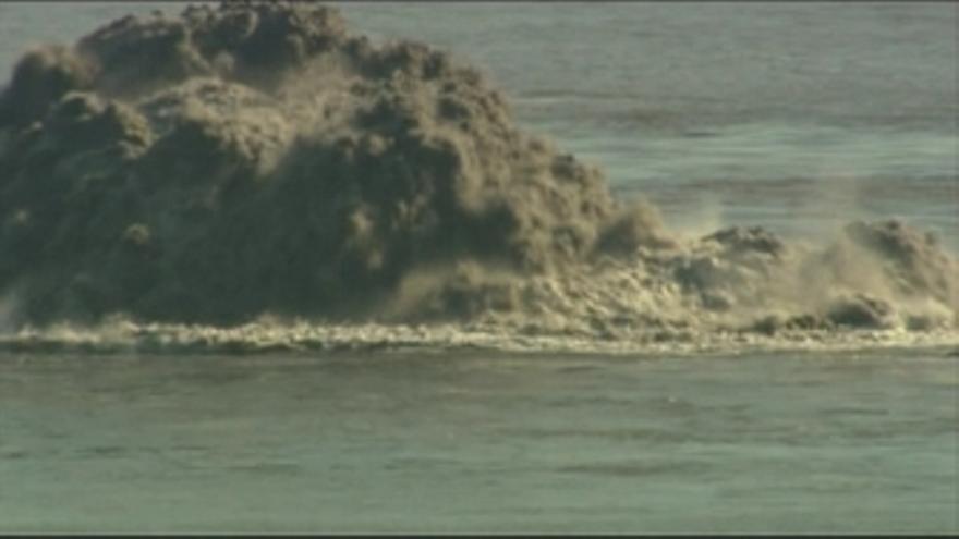 Última actividad del volcán en aguas de El Hierro. Fotografías: Javier Almeida (CEDIDAS POR TELEVISIÓN CANARIA)