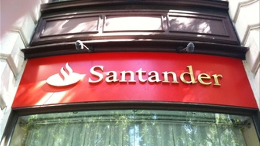 Juncker es una obligaci n que italia anuncie reformas for Sucursales banco santander en roma italia