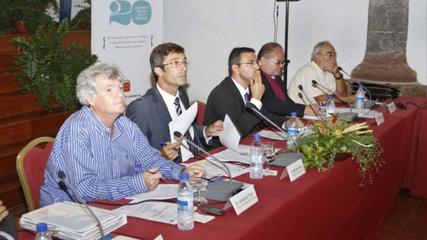 Leopoldo Díaz y Pedro San Ginés, en una sesión del Consejo de la Reserva de Biosfera. (Diario de Lanzarote).