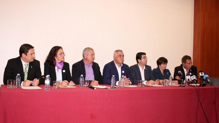 Ocho municipios de Tenerife reclaman la segunda pista para el aeropuerto del Sur