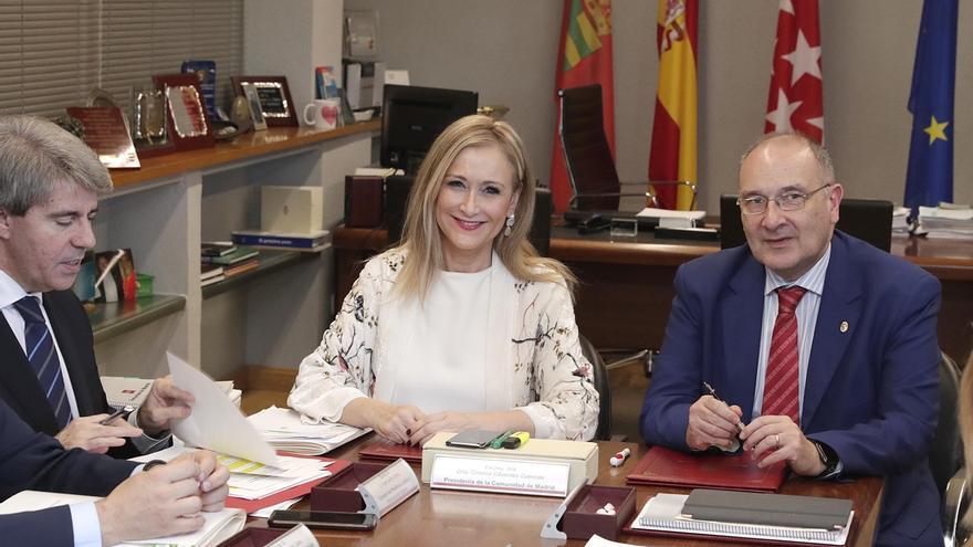 Cifuentes ve insólito que se amplie la comisión de investigación de corrupción en Madrid e insiste en que baraja dejarla