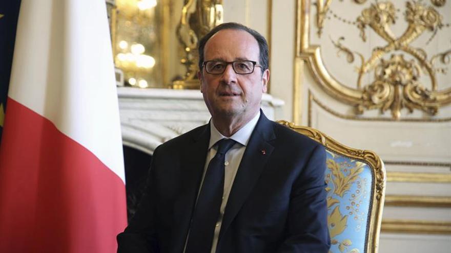 Hollande no irá a La Habana y estará representado por Ségolène Royal