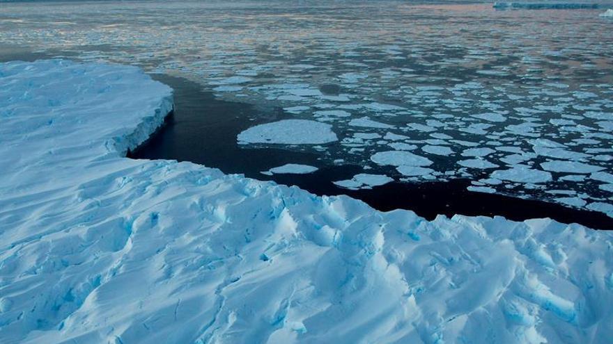 El viento favorece el deshielo en el lado opuesto de la Antártida