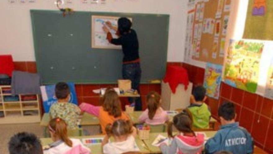 El inicio del curso escolar en Canarias, ''anormal y caótico''