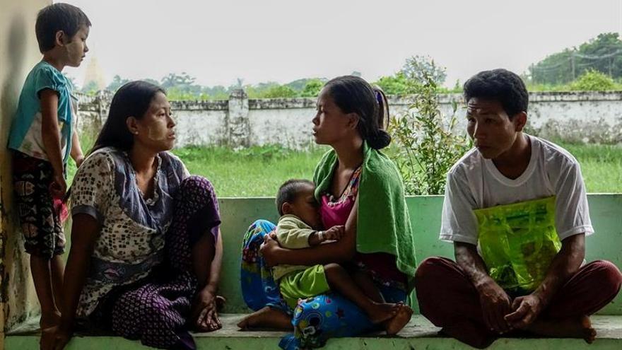 """MSF pide ayuda urgente para resolver las necesidades """"masivas"""" de rohinyás en Birmania"""