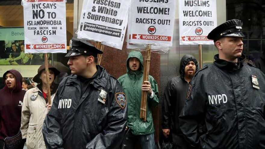 Protestas contra la sharía y la islamofobia coinciden en ciudades de EEUU