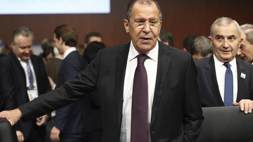 Lavrov llega a Belgrado para preparar una visita de Medvédev