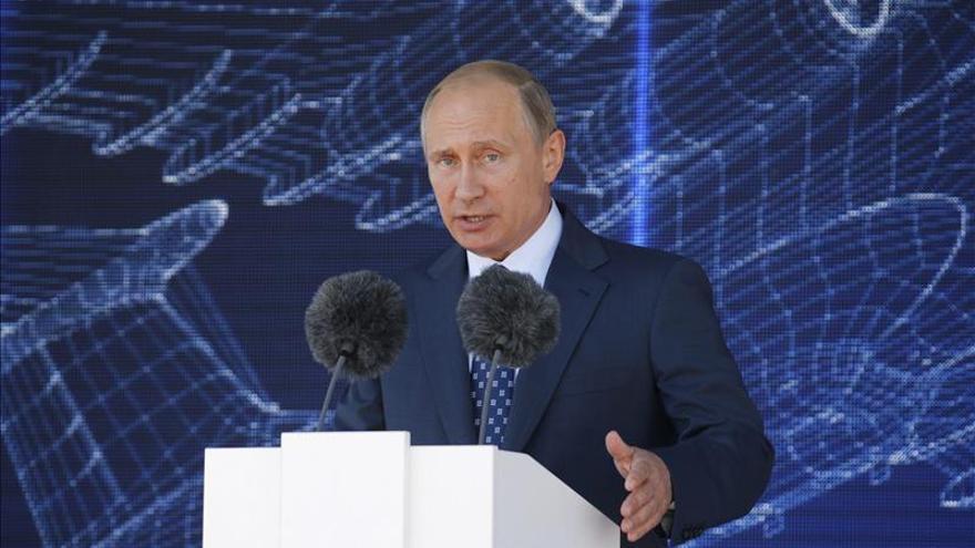 """Putin asegura que Rusia no está por una carrera armamentista, """"sólo recupera terreno"""""""