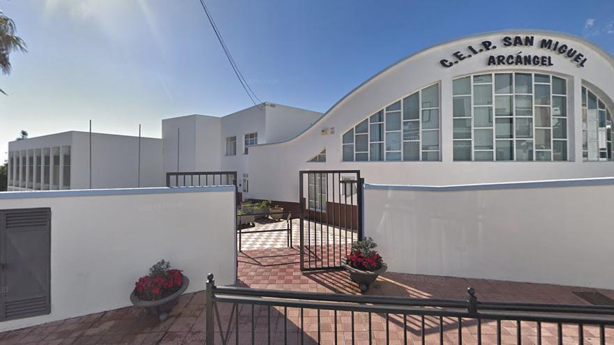 En cuarentena una clase de un colegio de Tenerife por un positivo de COVID-19