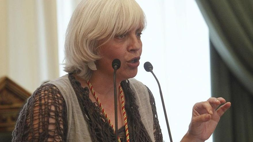 La alcaldesa de Badalona: los empleados municipales no pueden denegar el uso de locales