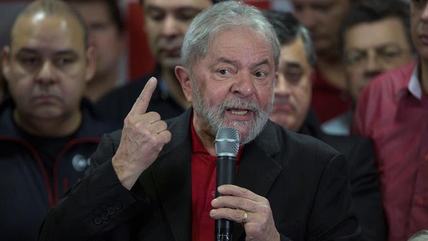 Lula dice que el dinero bloqueado en fondos de pensión lo obtuvo en conferencias