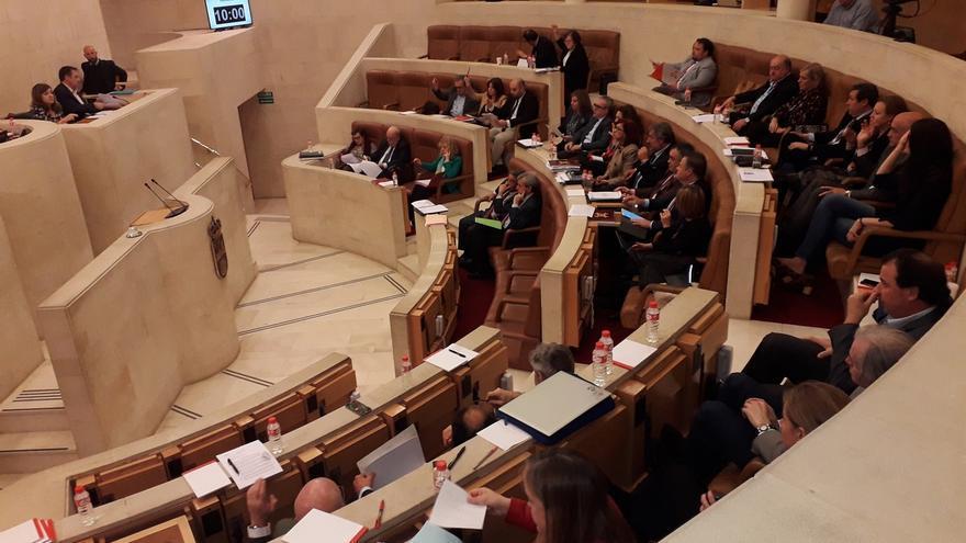 El Parlamento aprueba por unanimidad la Ley de creación del Consejo de la Mujer