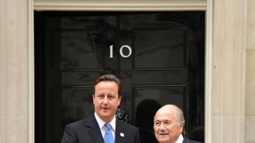 Joseph Blatter y David Cameron