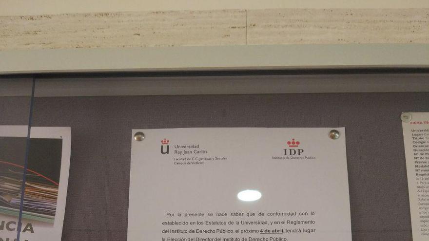 El cartel de la universidad que anuncia elecciones en el Instituto de Derecho Público