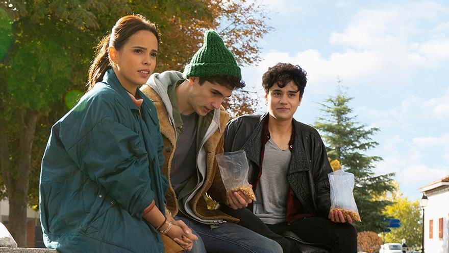 Gloria Ortega (Cloe), Mario Garcia (Rivero) y Kenai White (Maria)
