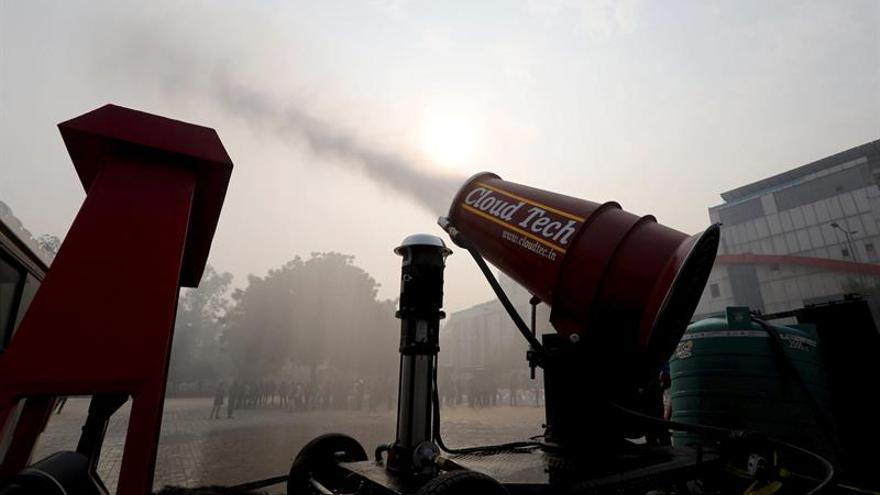 Nueva Delhi quiere combatir la contaminación del aire a cañonazos