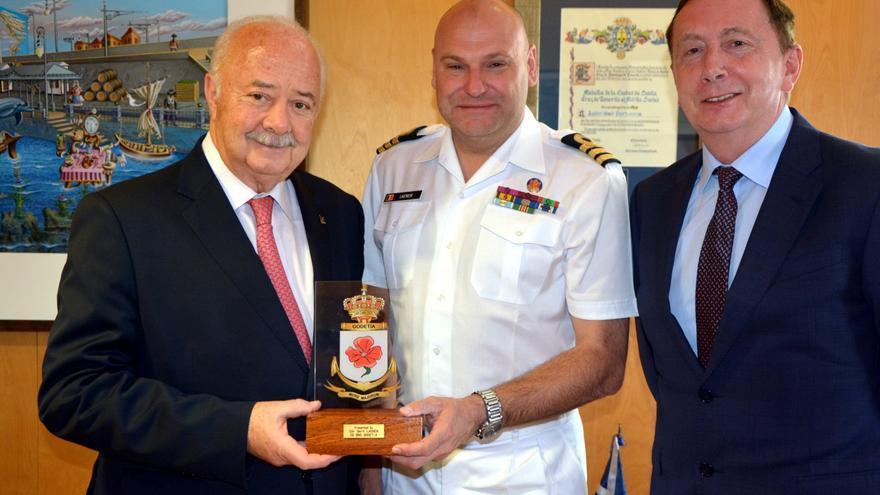 Ricardo Melchior, presidente de Puertos de Tenerife, en un acto oficial relacionado con la corbeta belga 'Godetia'