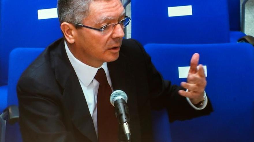 """El abogado de Torres insulta a Ruiz-Gallardón: """"Es idiota"""""""
