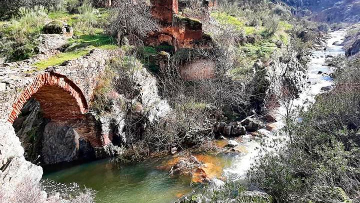 Puente Mocarra en el término municipal de Espiel.