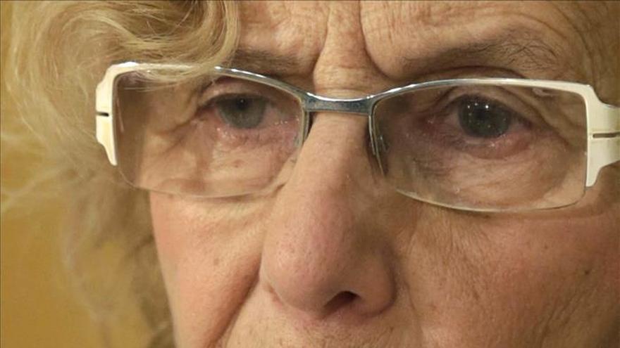 La AVT se querella contra Carmena, la concejal de Cultura y dos titiriteros