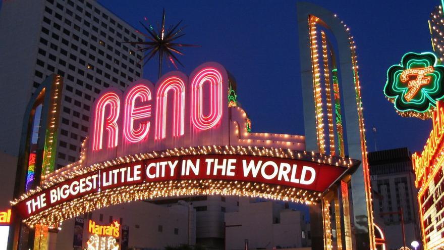 Arco de entrada de Reno, la ciudad de Nevada de moda como paraíso fiscal. FOTO: Ken Lud / Flickr