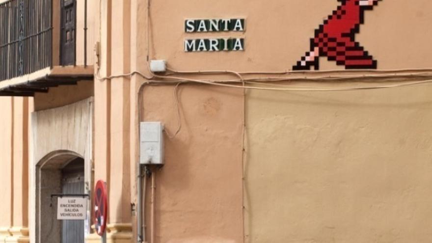 """La Junta dice que el Ayuntamiento de Málaga se """"hace el remolón"""" para retirar mosaicos de Invader y """"no cumple"""""""