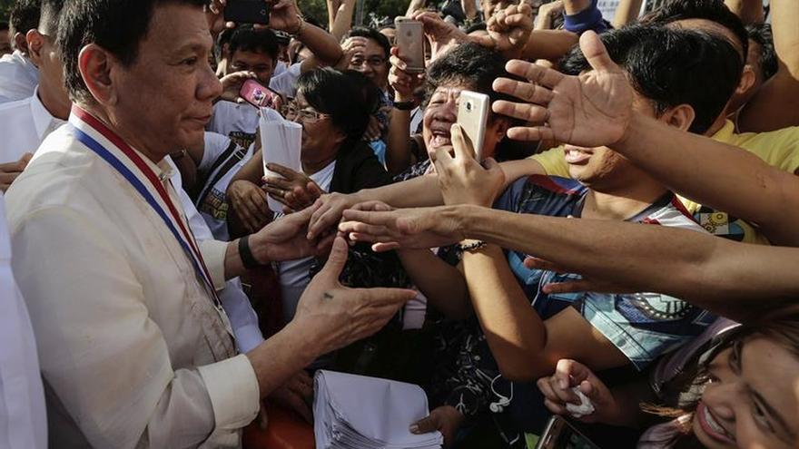 El presidente Duterte invita a los filipinos a imitar a José Rizal