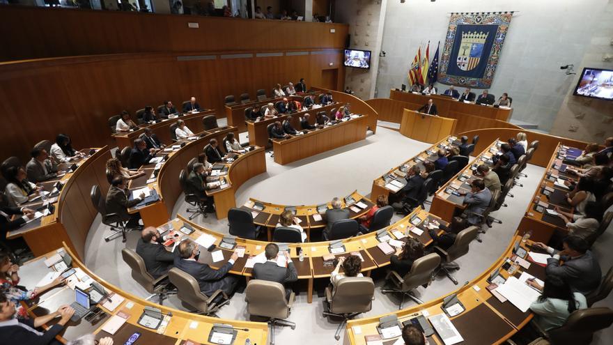 Cada grupo recibirá una subvención fija de 7.007,97 euros al mes y 2.000 euros por cada escaño