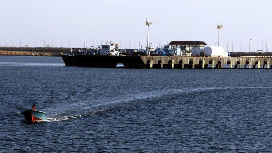 """Un buque iraní rescata a los 44 tripulantes de los petroleros """"atacados"""""""