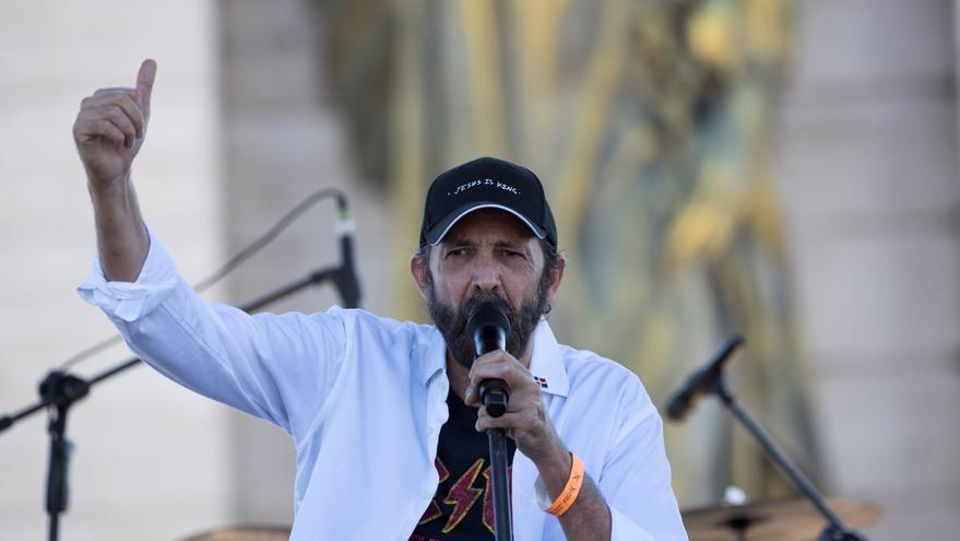 """Juan Luis Guerra adapta al rock su canción """"Cantando Bachata"""""""