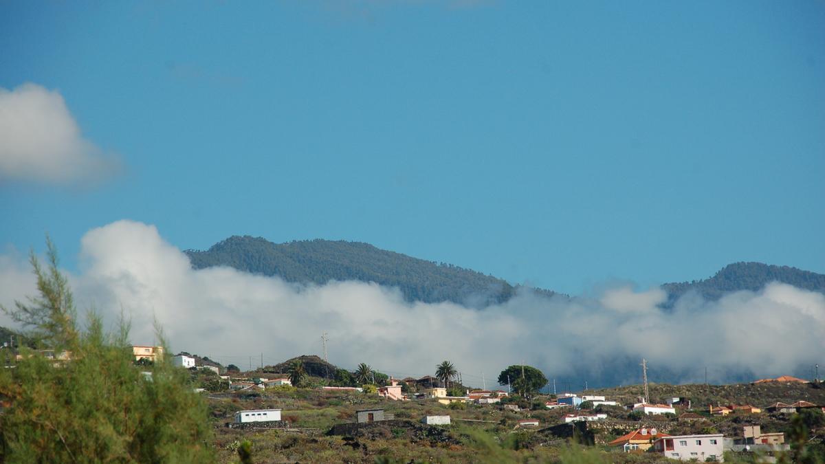 Nubes y claros en noreste de La Palma.